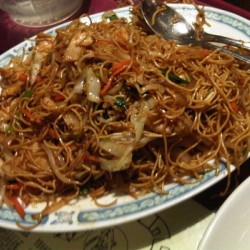 1 Plate China Town Special Hakka Chow (Non Veg)