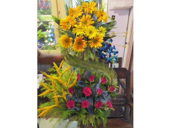 Flower bouquet 25 with one greetings card_flw69